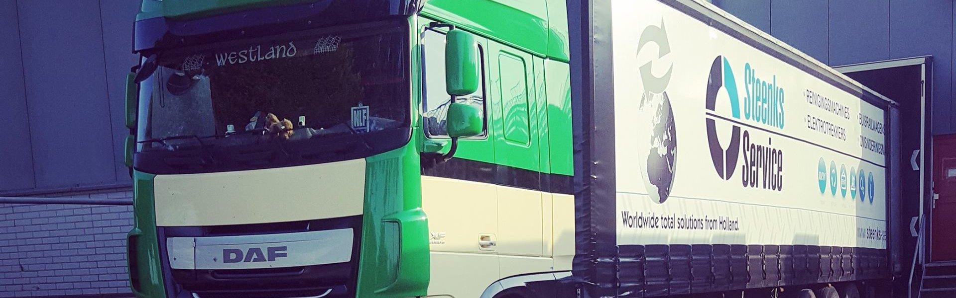 empas spuitwagen voor ontsmetten van vrachtwagens